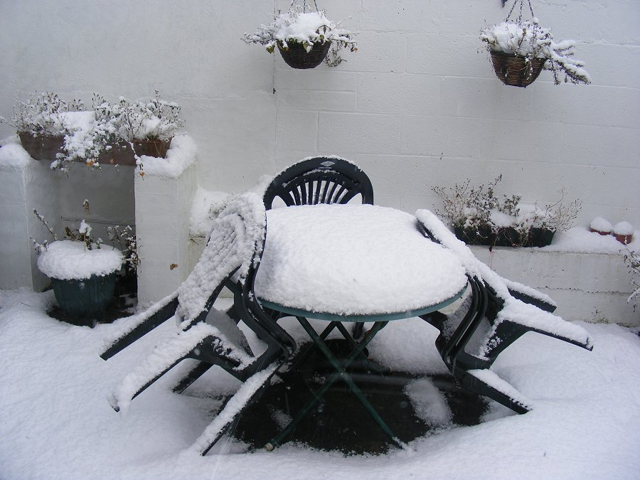 patio-snow-900.jpg