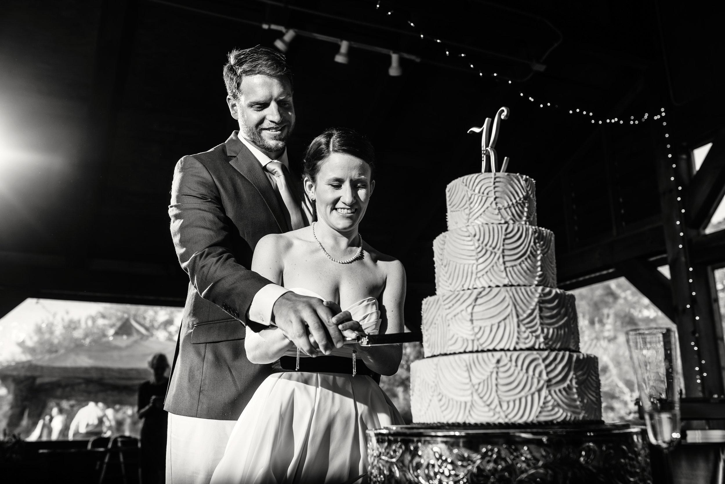 Cake_Cutting_Wedding_NC