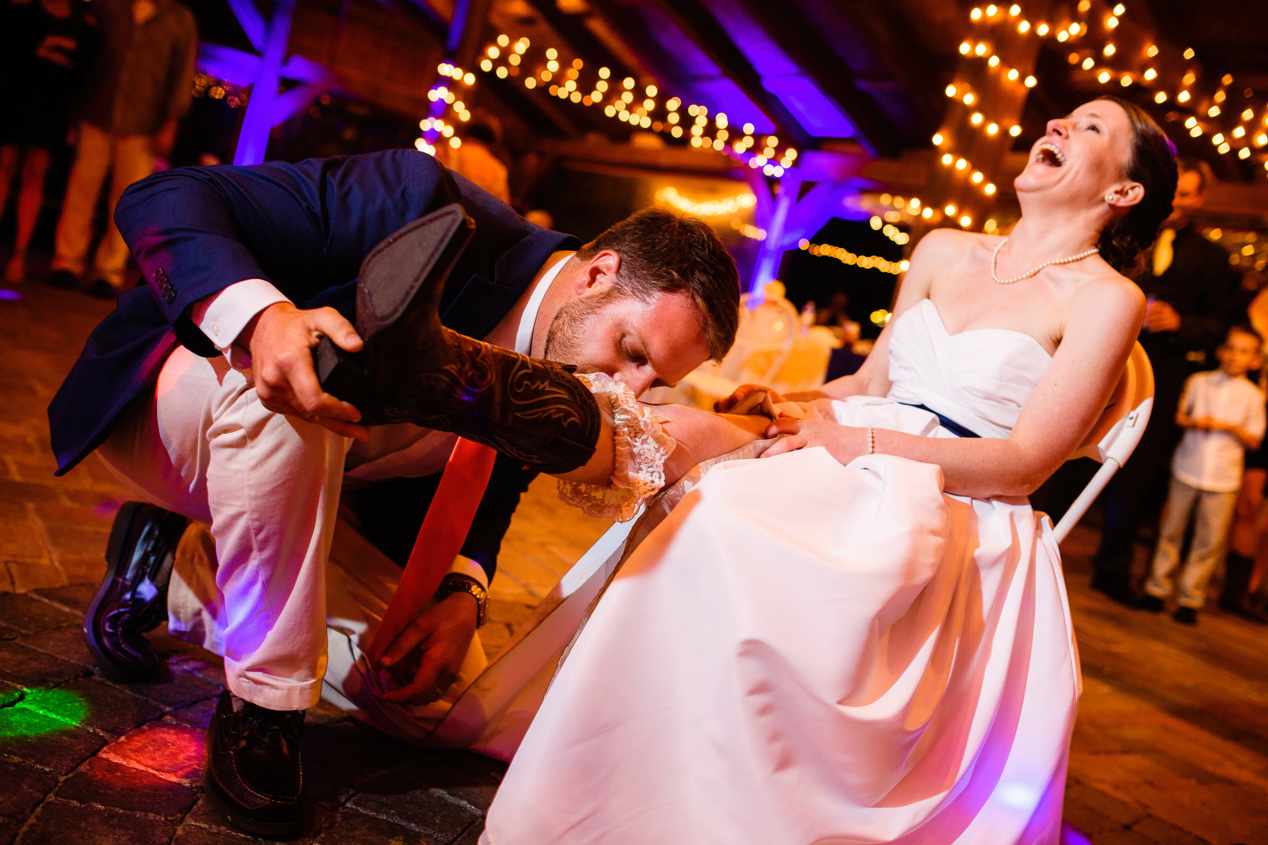 Garter_Wedding_Funny_Moments_Eastern_NC