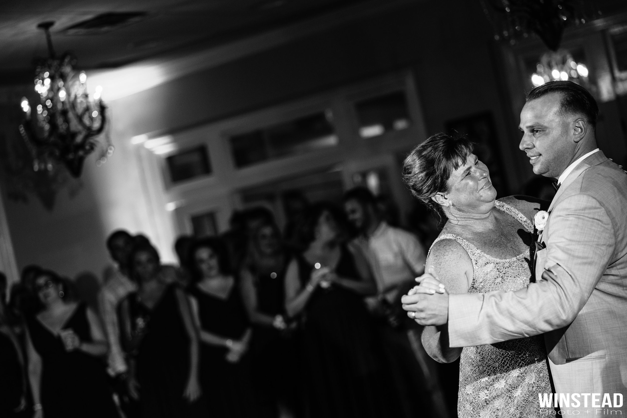 candid-timeless-new-bern-nc-wedding-photographer.jpg