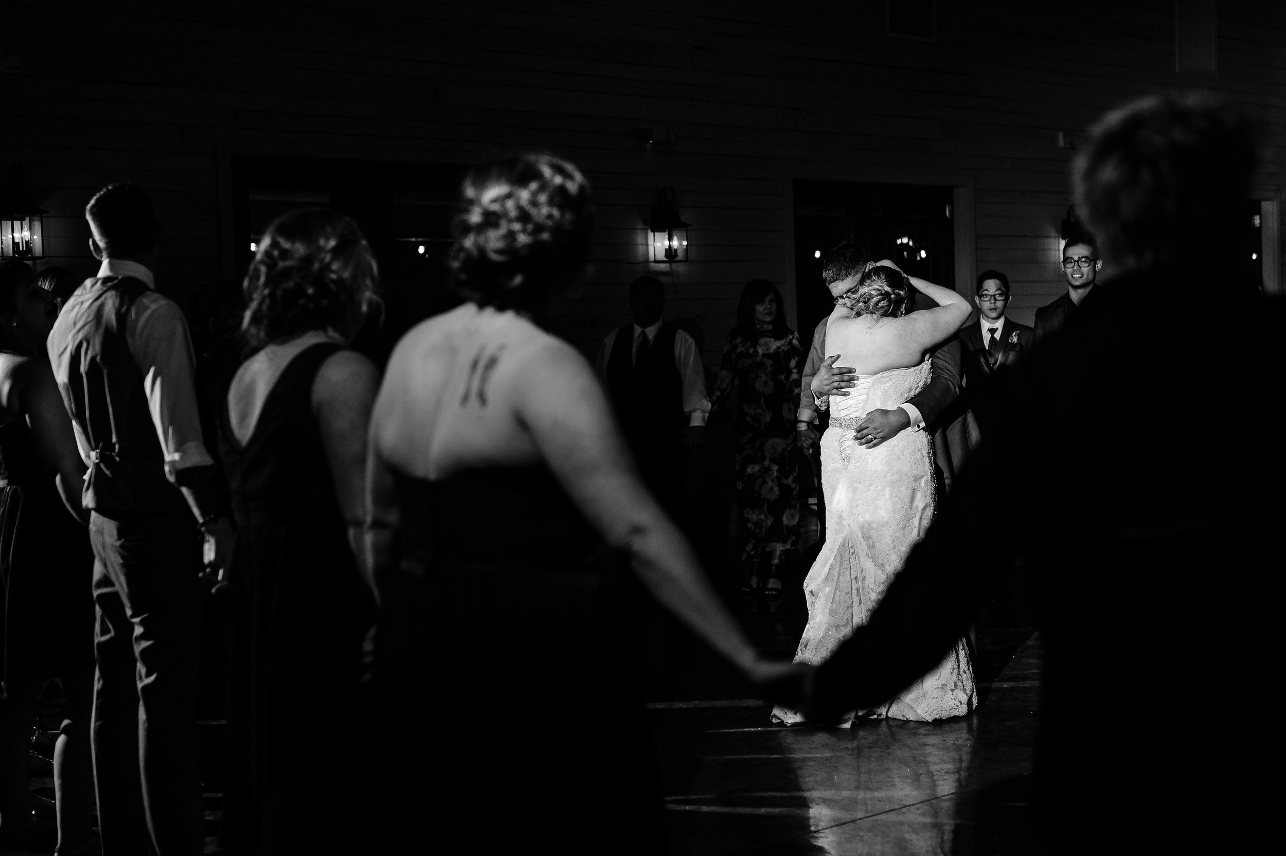 Amanda&Chris_Wedding670.jpg