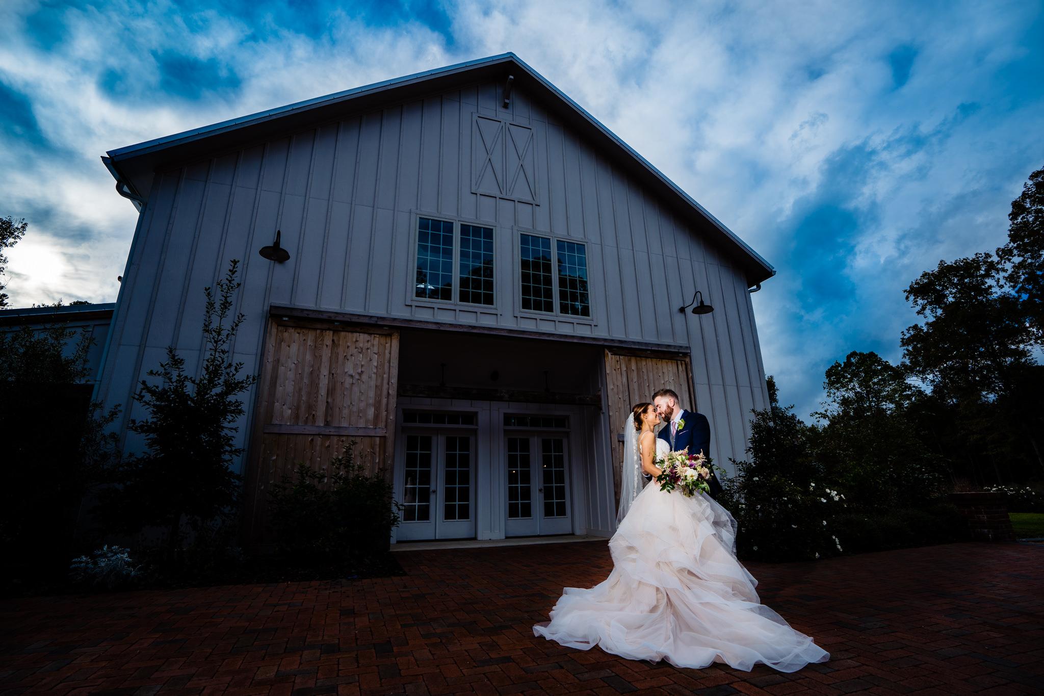 Emily&Ron-Chapel-hill-wedding-barn-53.jpg