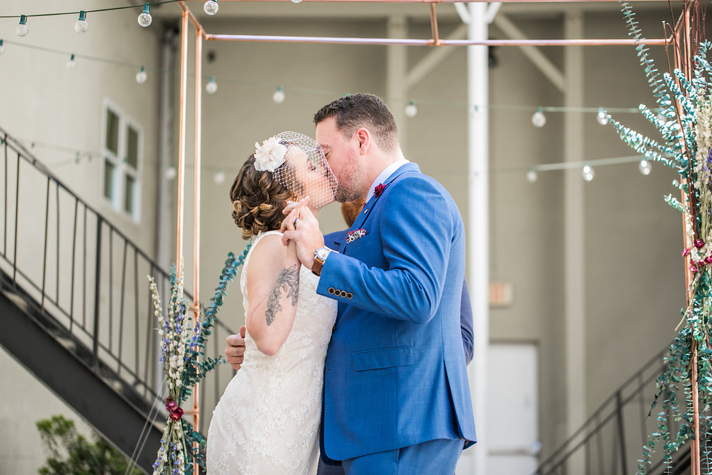 highland-ballroom-poncey-highland-atlanta-wedding-photographer-angela-elliott-wingard-indie-wedding-3-84.jpg
