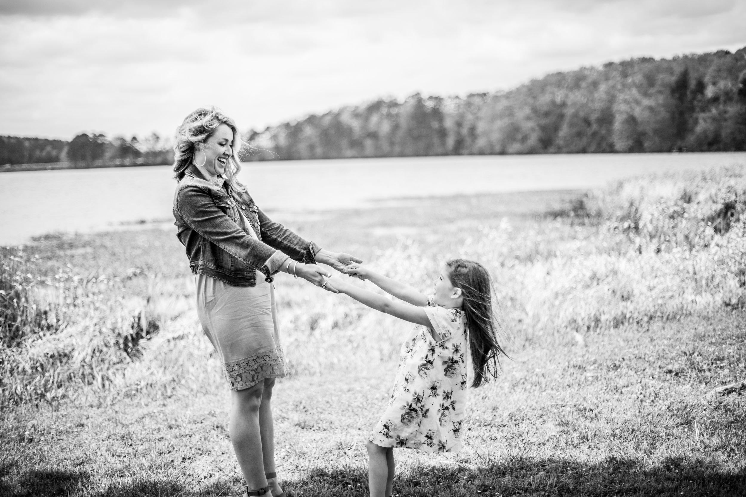 woodstock-family-photography-mini-session-acworth-beach-35.jpg