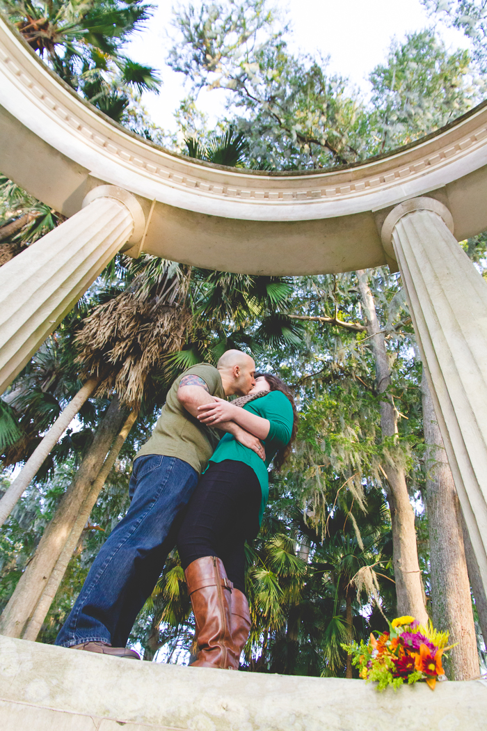 jaime diorio photography outdoor wedding photographer orlando wedding photographer kraft azalea garden park engagement session in winter park (10)