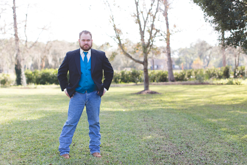 Outdoor Southern Wedding | groom posing