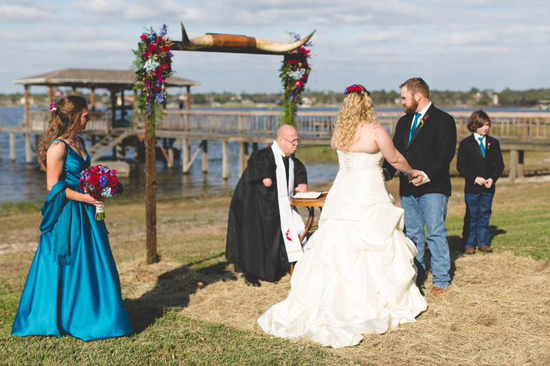 Outdoor Southern Wedding | Bride & Groom speaking vows