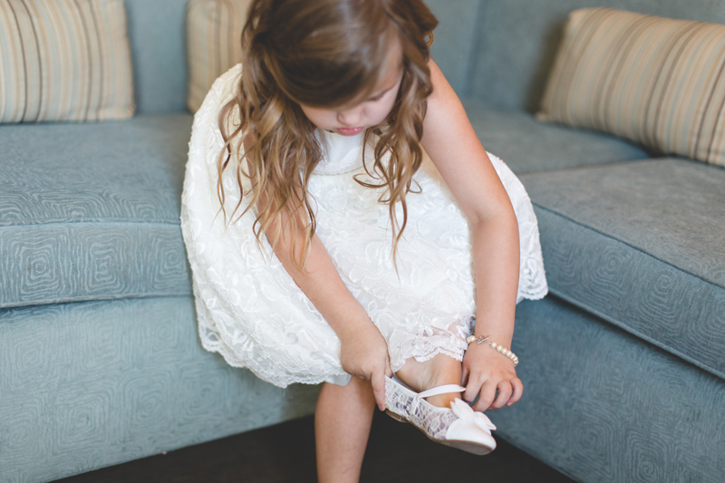 24 flowergirl getting ready orlando outdoor wedding photographer 310 lakeside wedding cj-145.jpg