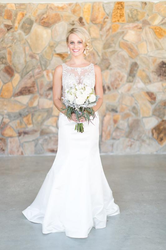 Jaime DiOrio outdoor bridal session destination orlando wedding photographer wedding dress bride photos
