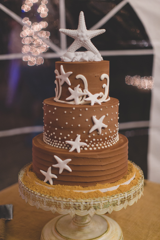Wedding cake - Beach Wedding Photos - destination Orlando wedding photographer - Jaime DiOrio