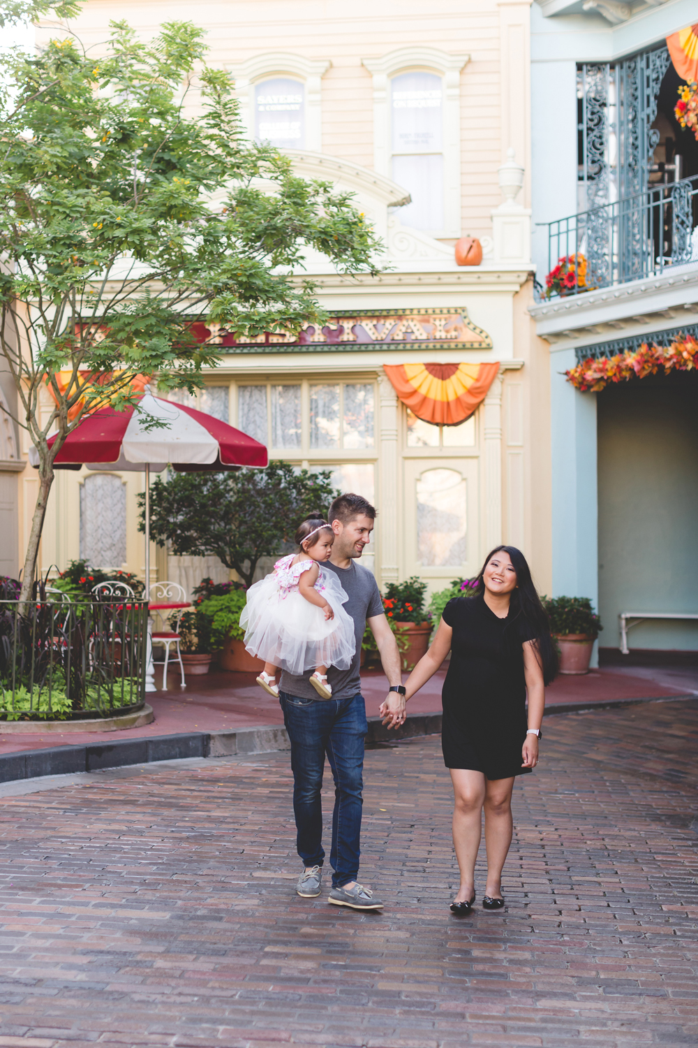 Jaime DiOrio - Disney Family Session - Orlando Family Photographer - Magic Kingdom Family Session - Documentary Photographer (5).jpg