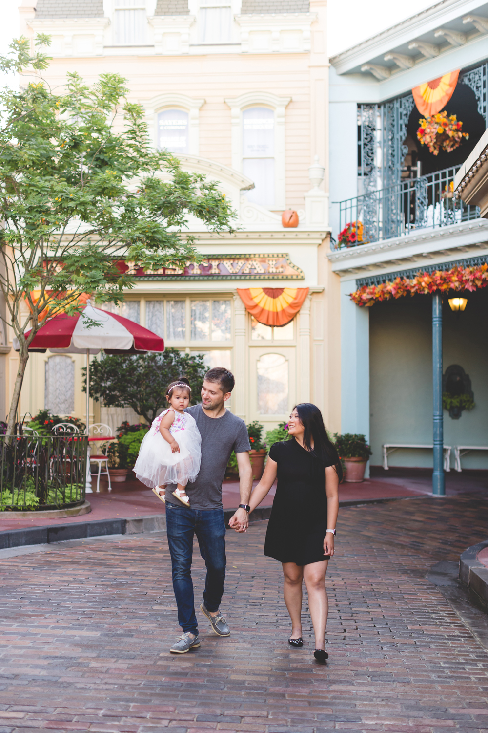 Jaime DiOrio - Disney Family Session - Orlando Family Photographer - Magic Kingdom Family Session - Documentary Photographer (6).jpg