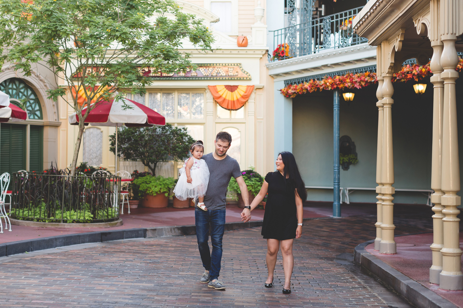 Jaime DiOrio - Disney Family Session - Orlando Family Photographer - Magic Kingdom Family Session - Documentary Photographer (8).jpg
