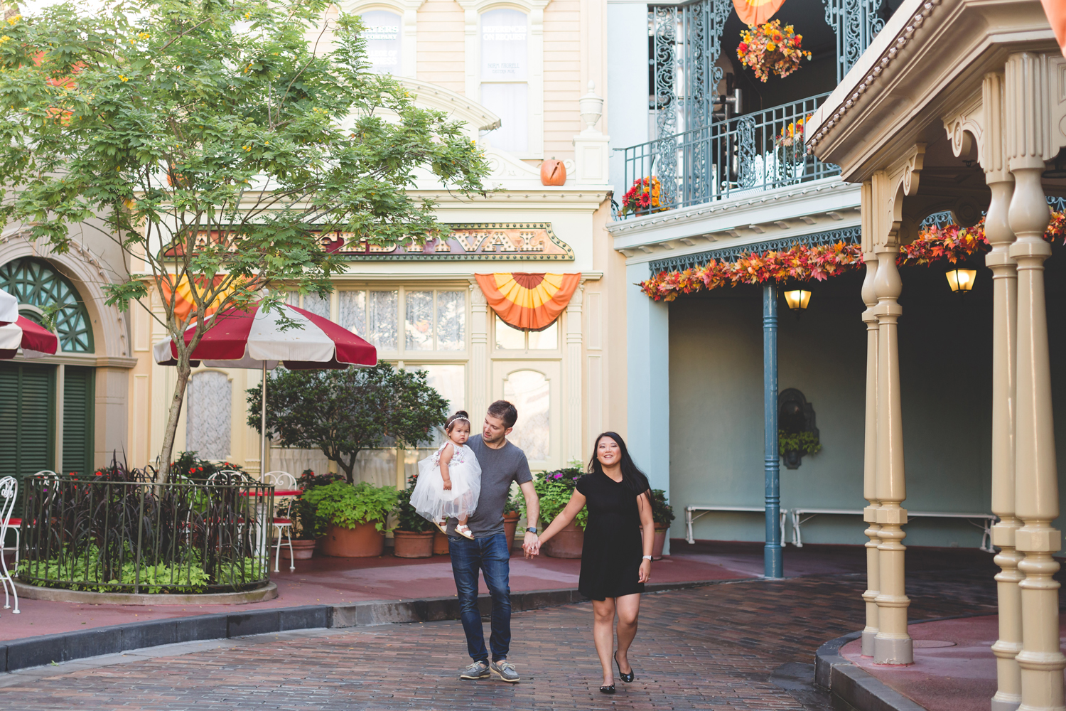 Jaime DiOrio - Disney Family Session - Orlando Family Photographer - Magic Kingdom Family Session - Documentary Photographer (7).jpg