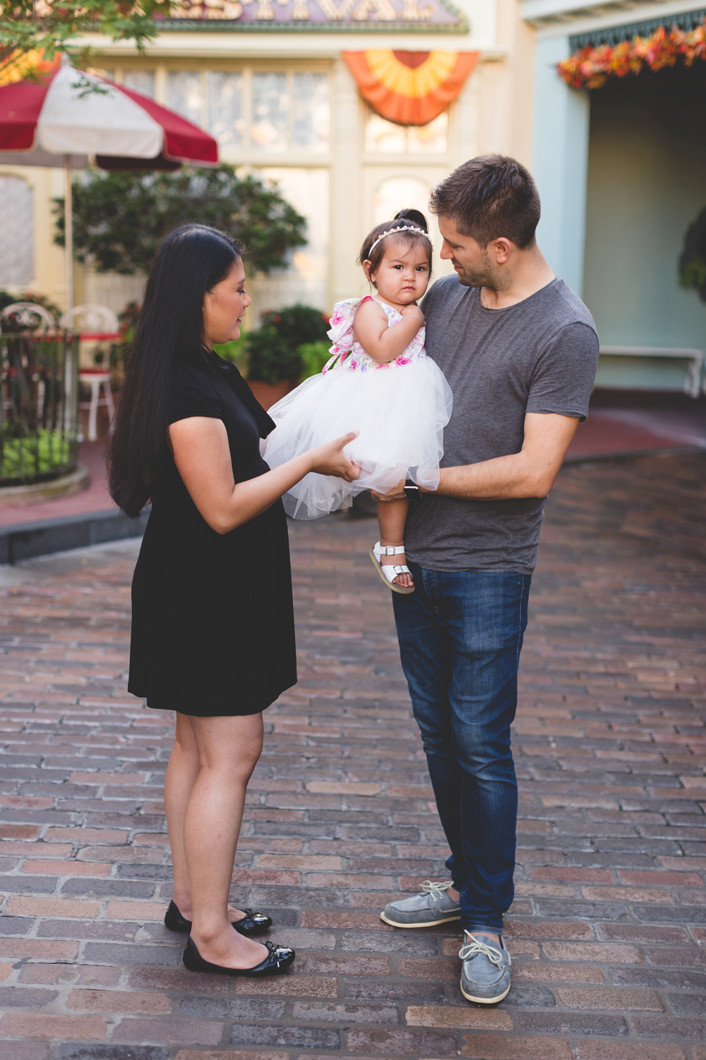 Jaime DiOrio - Disney Family Session - Orlando Family Photographer - Magic Kingdom Family Session - Documentary Photographer (12).jpg