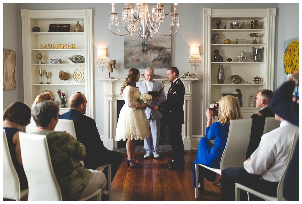 Historic-Downtown-Savannah-GA-Intimate-Wedding_3656.jpg