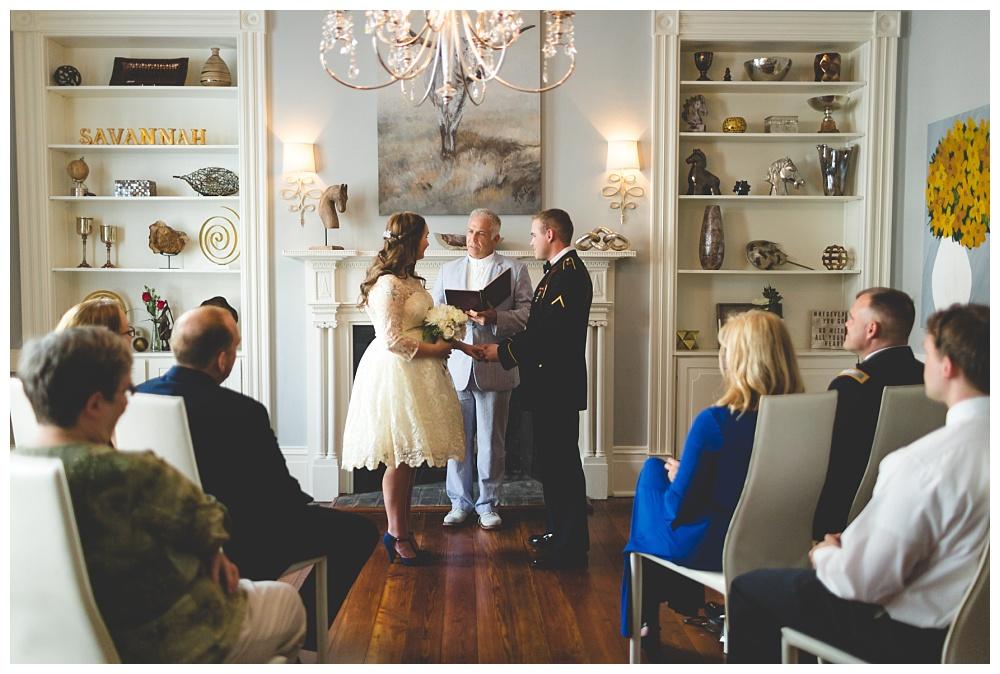 Historic-Downtown-Savannah-GA-Intimate-Wedding_3658.jpg