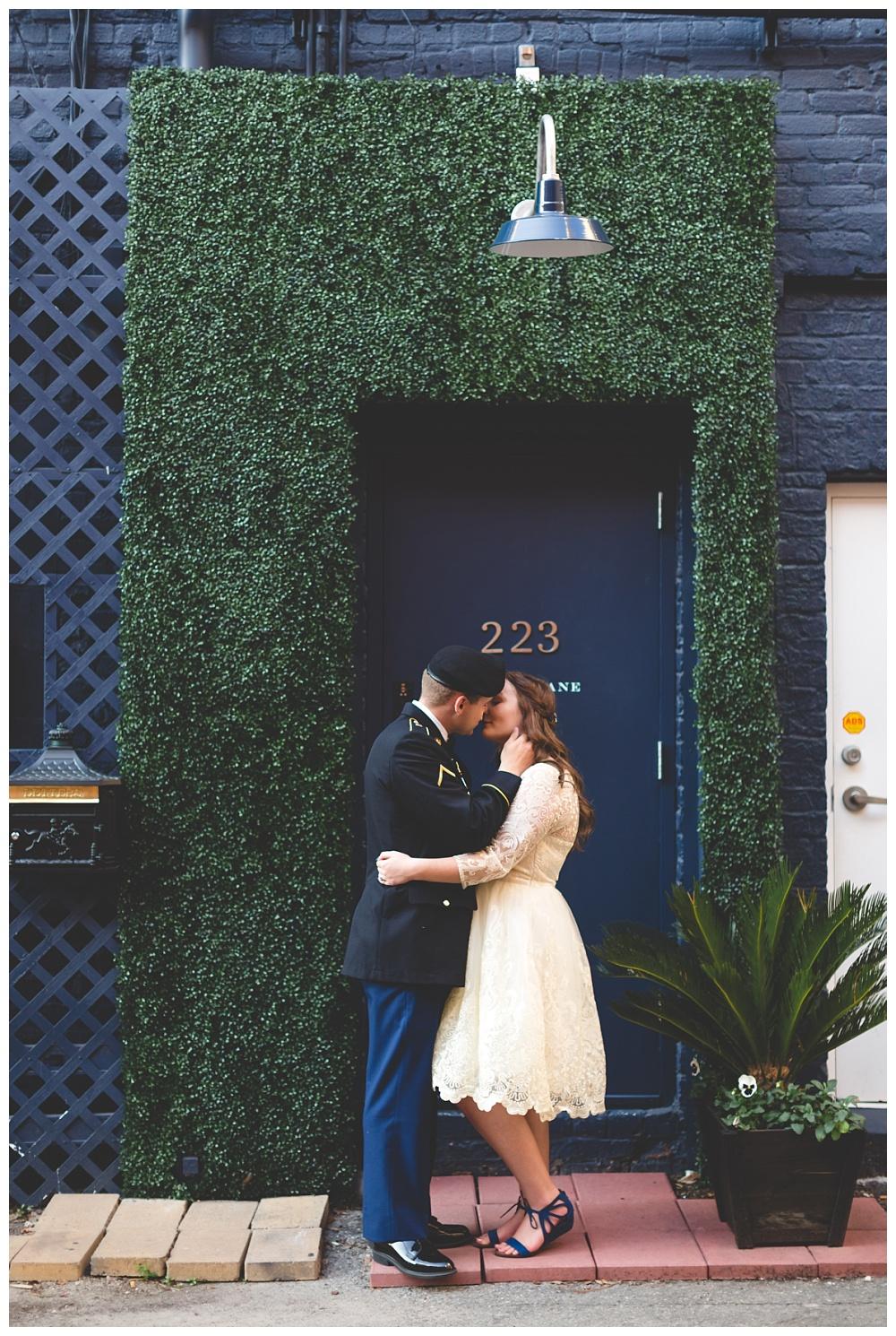 Historic-Downtown-Savannah-GA-Intimate-Wedding_3674.jpg