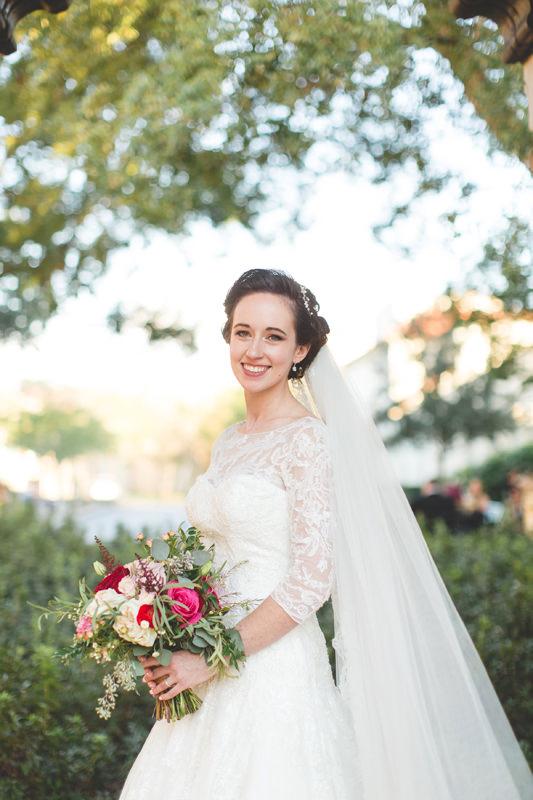 Knowles Memorial chapel wedding photo of Bride with bouquet