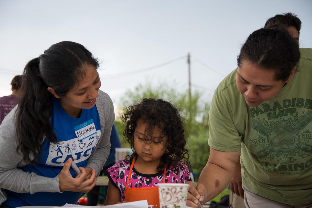 Alejandra-GAVA&family.jpg