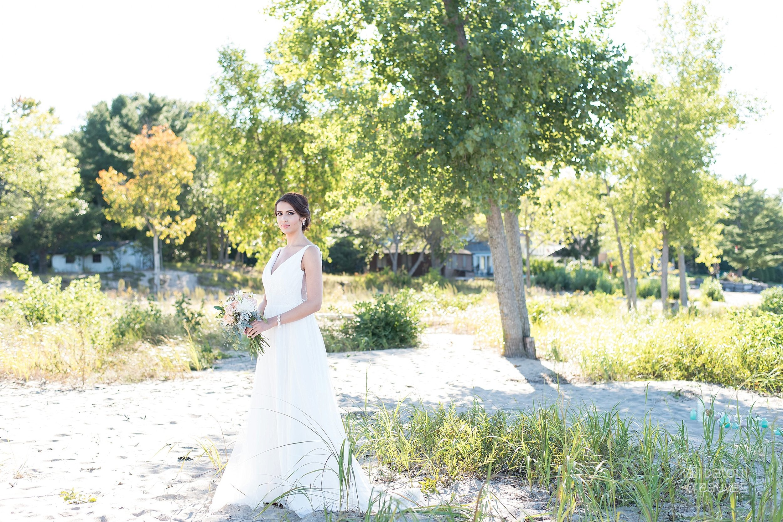 Alaa + Jad - Ottawa Beach Bridal Shoot (Ali Batoul Creatives)-7_Stomped.jpg