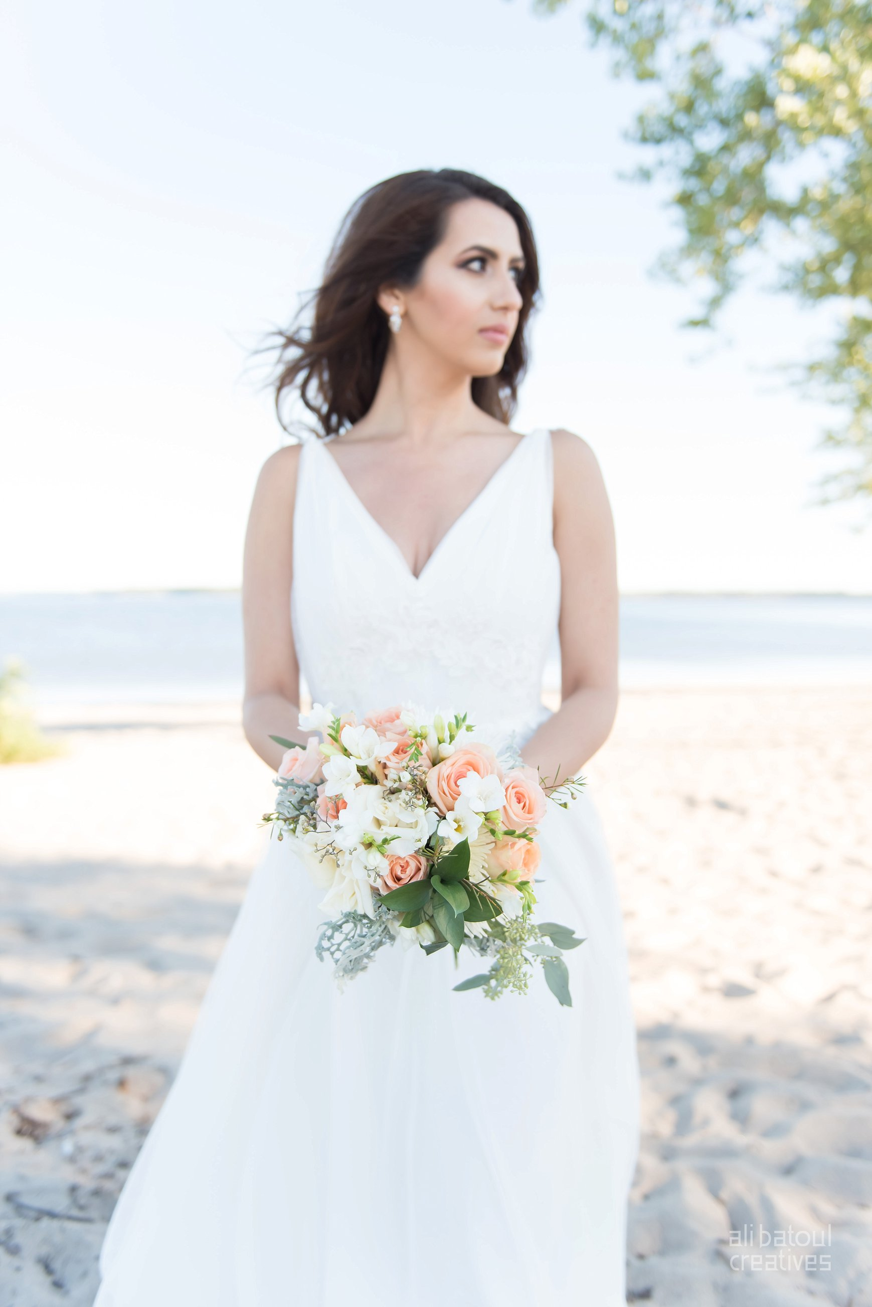 Alaa + Jad - Ottawa Beach Bridal Shoot (Ali Batoul Creatives)-35_Stomped.jpg
