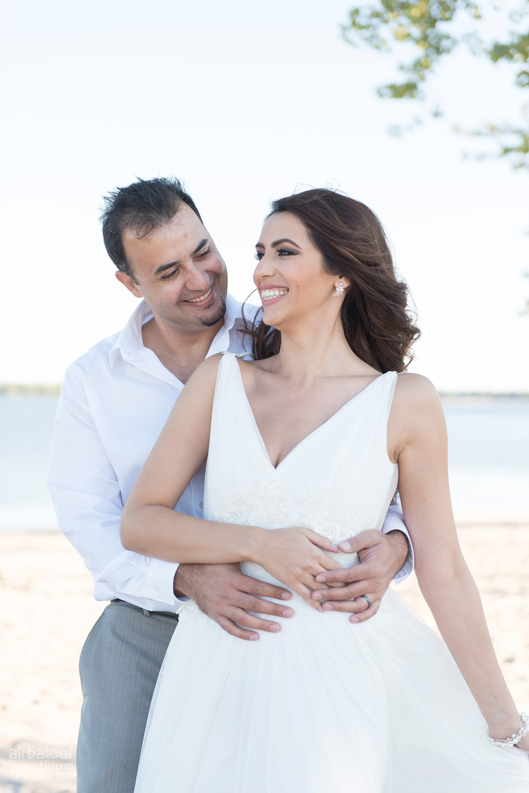 Alaa + Jad - Ottawa Beach Bridal Shoot (Ali Batoul Creatives)-39_Stomped.jpg