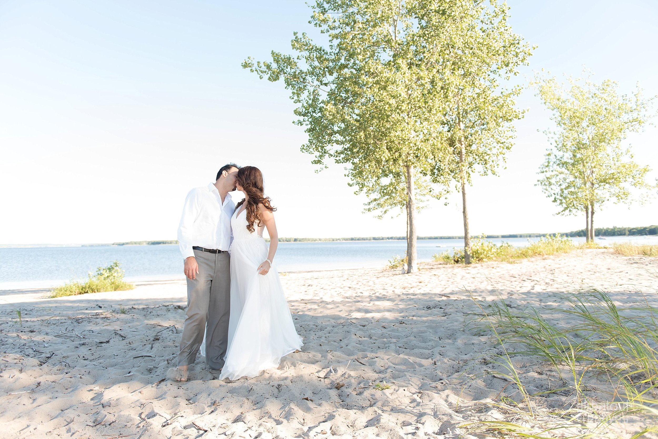 Alaa + Jad - Ottawa Beach Bridal Shoot (Ali Batoul Creatives)-44_Stomped.jpg