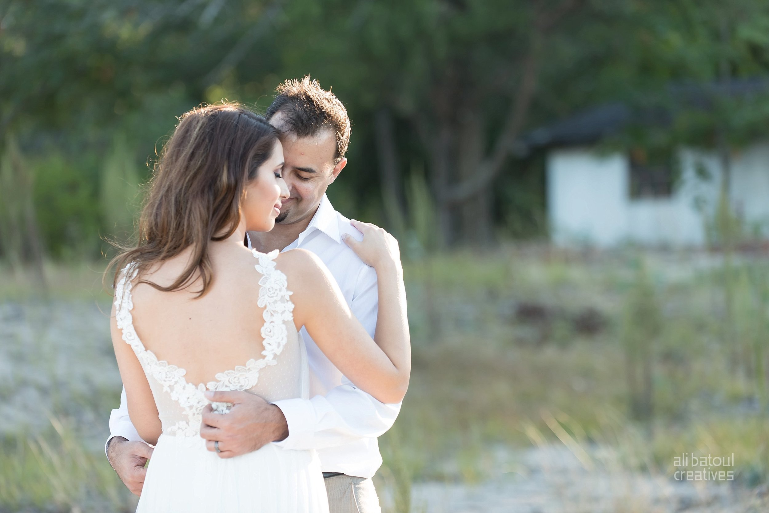 Alaa + Jad - Ottawa Beach Bridal Shoot (Ali Batoul Creatives)-74_Stomped.jpg