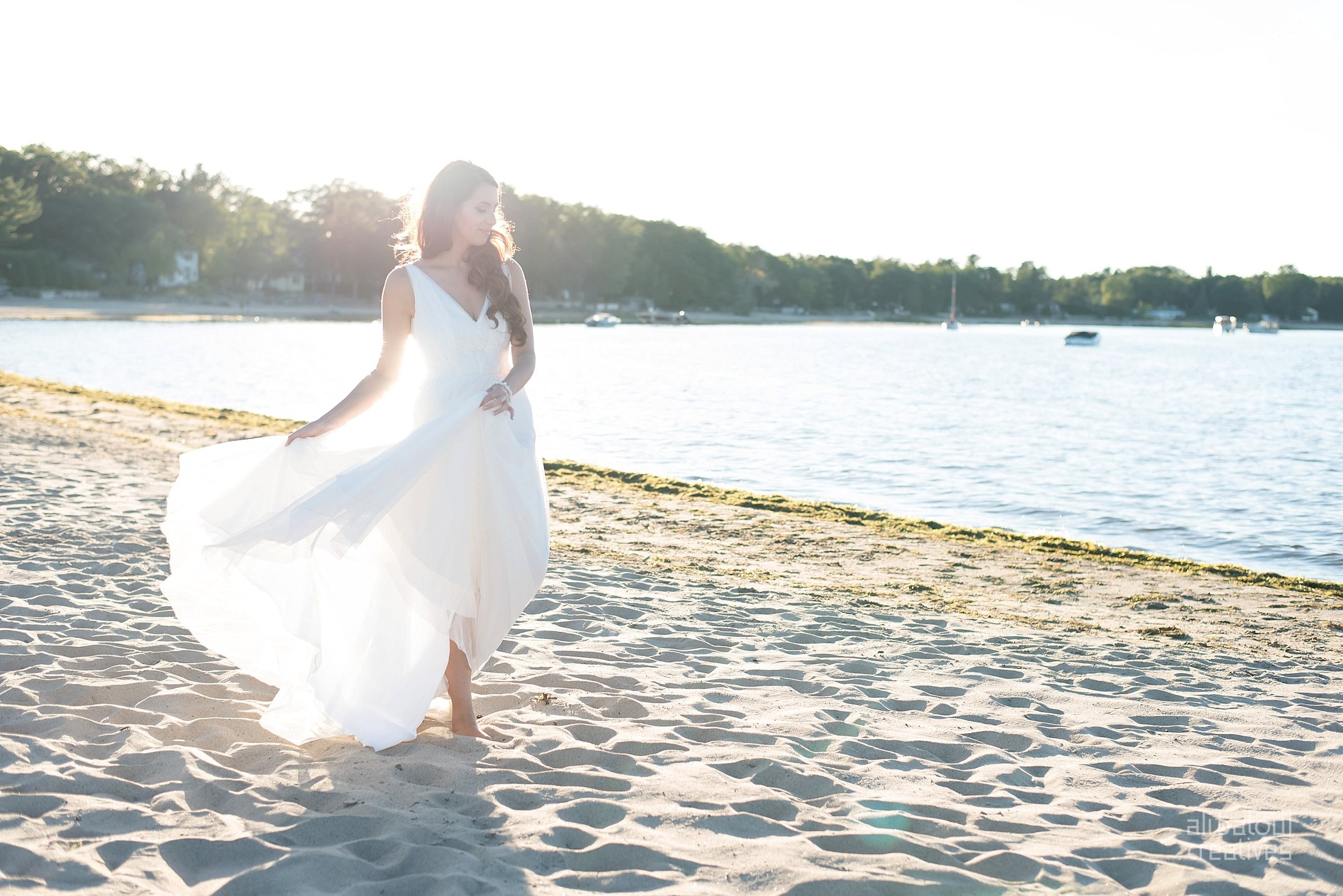 Alaa + Jad - Ottawa Beach Bridal Shoot (Ali Batoul Creatives)-92_Stomped.jpg