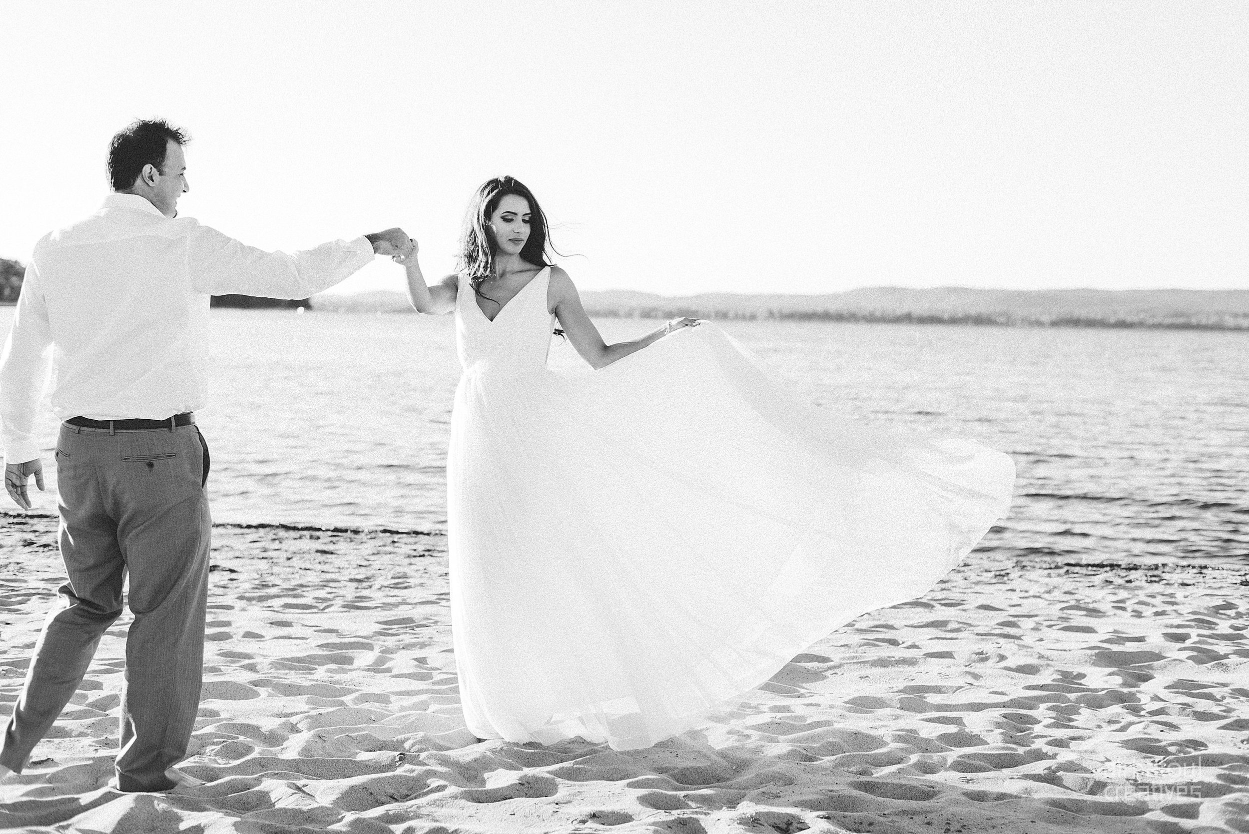 Alaa + Jad - Ottawa Beach Bridal Shoot (Ali Batoul Creatives)-94_Stomped.jpg