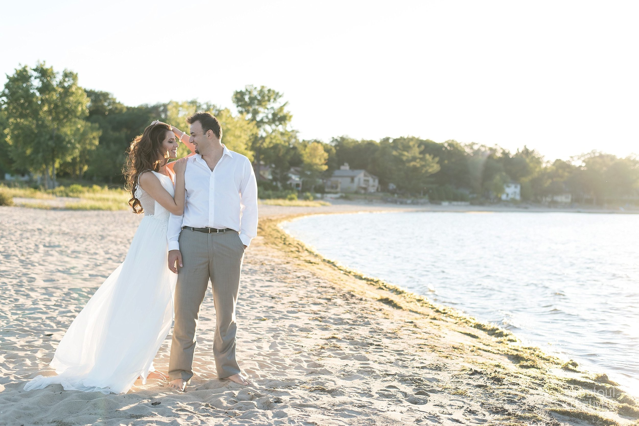 Alaa + Jad - Ottawa Beach Bridal Shoot (Ali Batoul Creatives)-99_Stomped.jpg