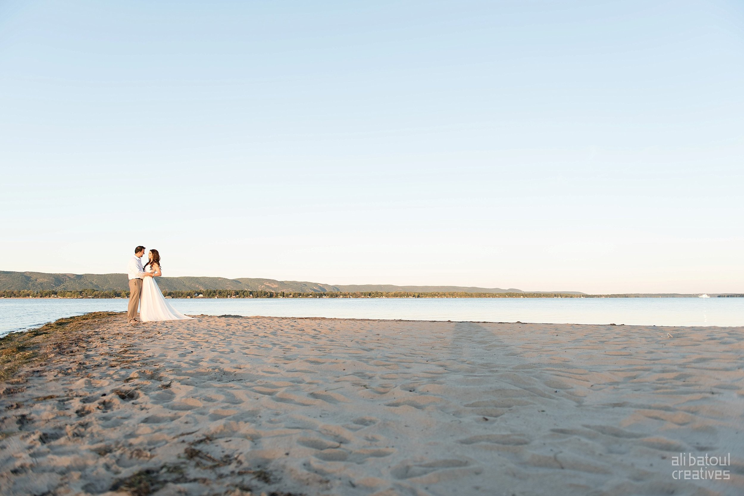 Alaa + Jad - Ottawa Beach Bridal Shoot (Ali Batoul Creatives)-124_Stomped.jpg