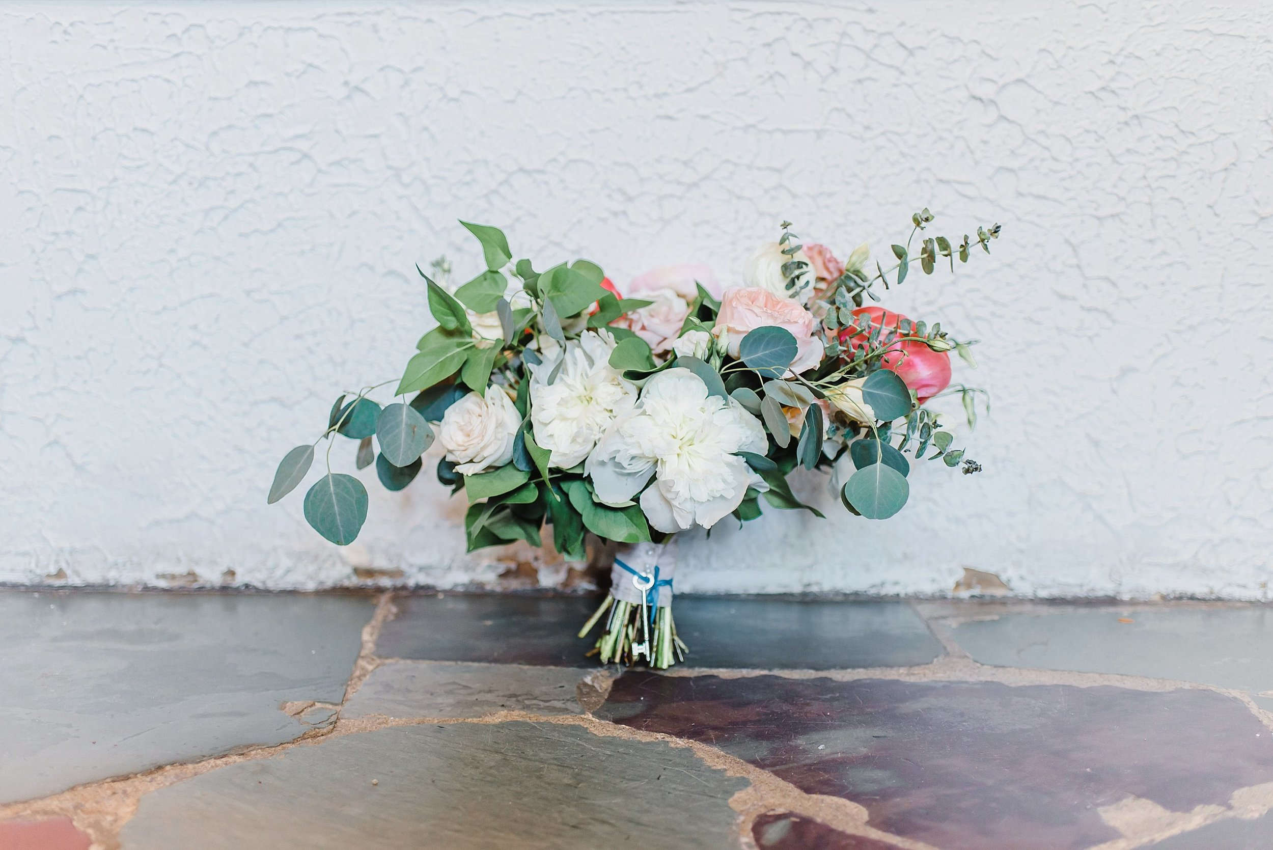 The most beautiful garden-inspired bouquet designed by Brittany Frid from Frid.