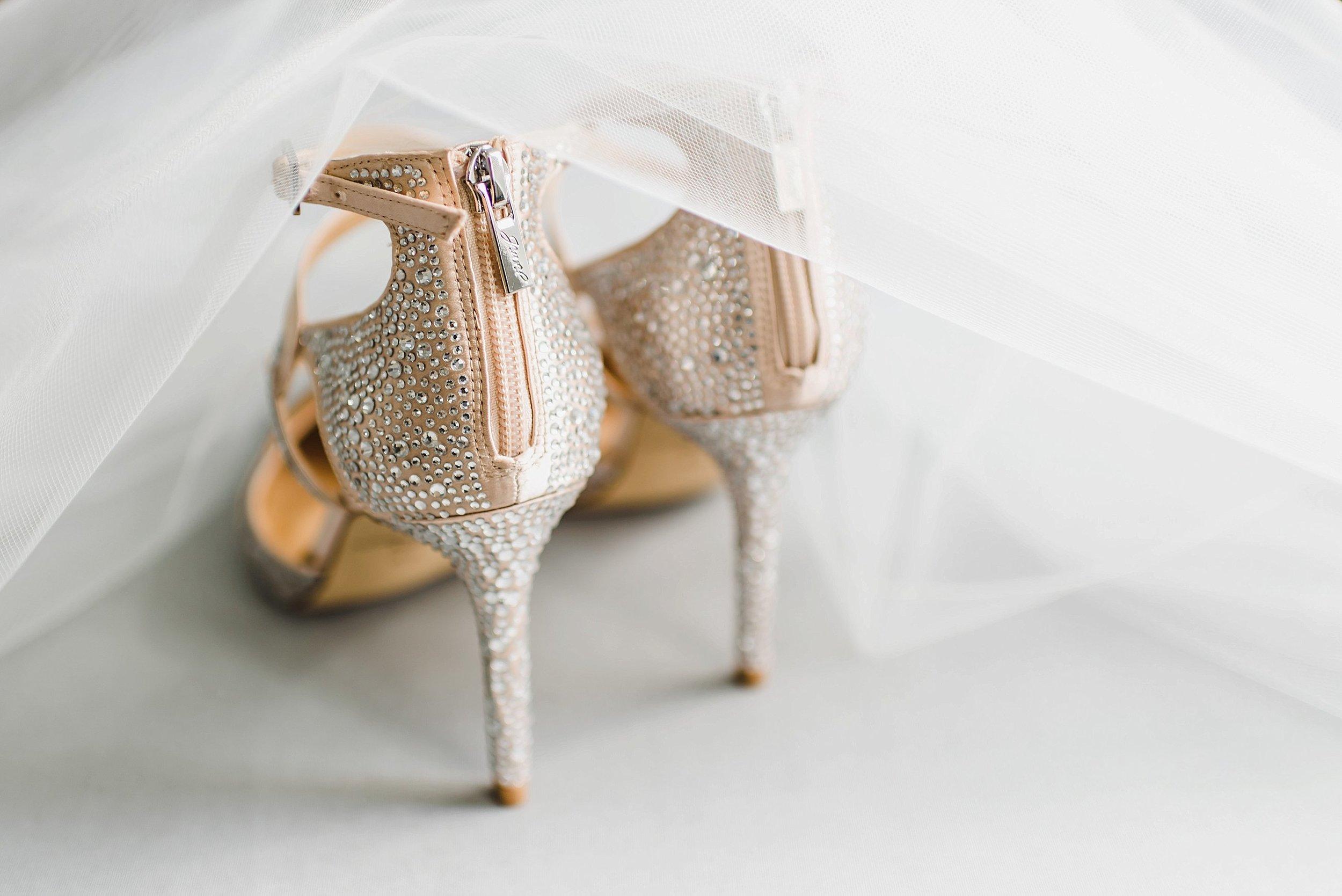 light airy indie fine art ottawa wedding photographer | Ali and Batoul Photography_1213.jpg