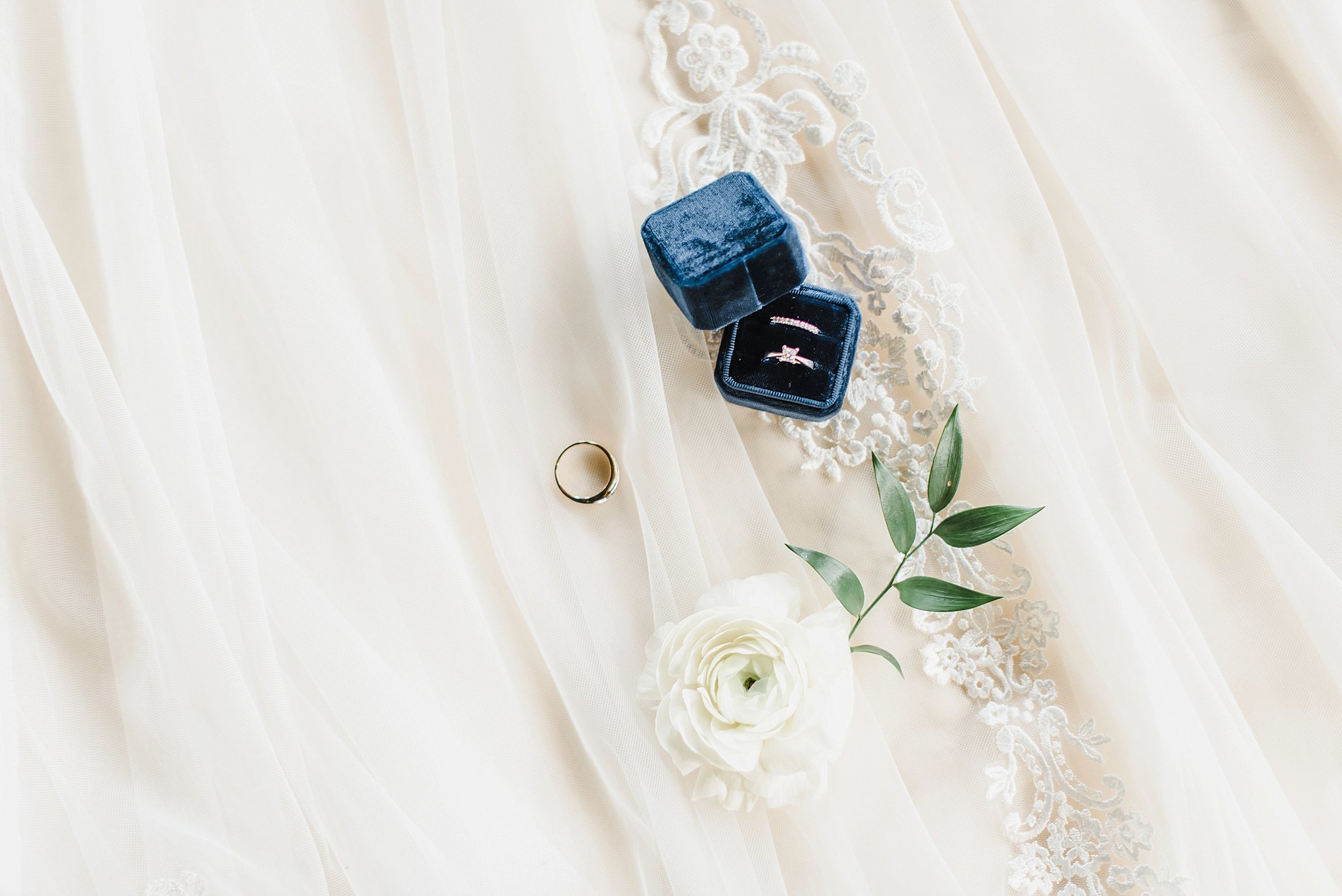 light airy indie fine art ottawa wedding photographer | Ali and Batoul Photography_0124.jpg