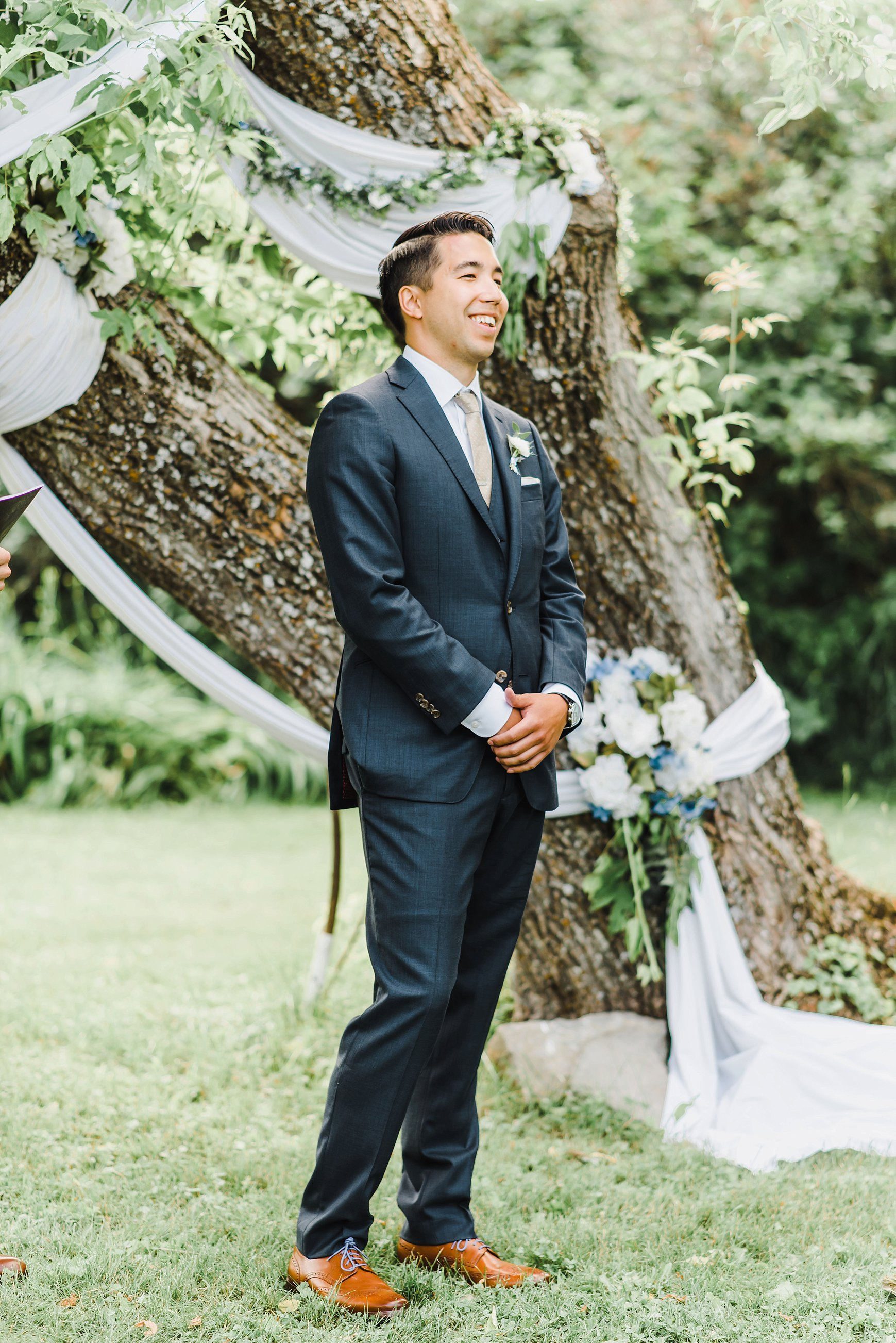 Kendrick seeing his wife for the first time down the aisle.