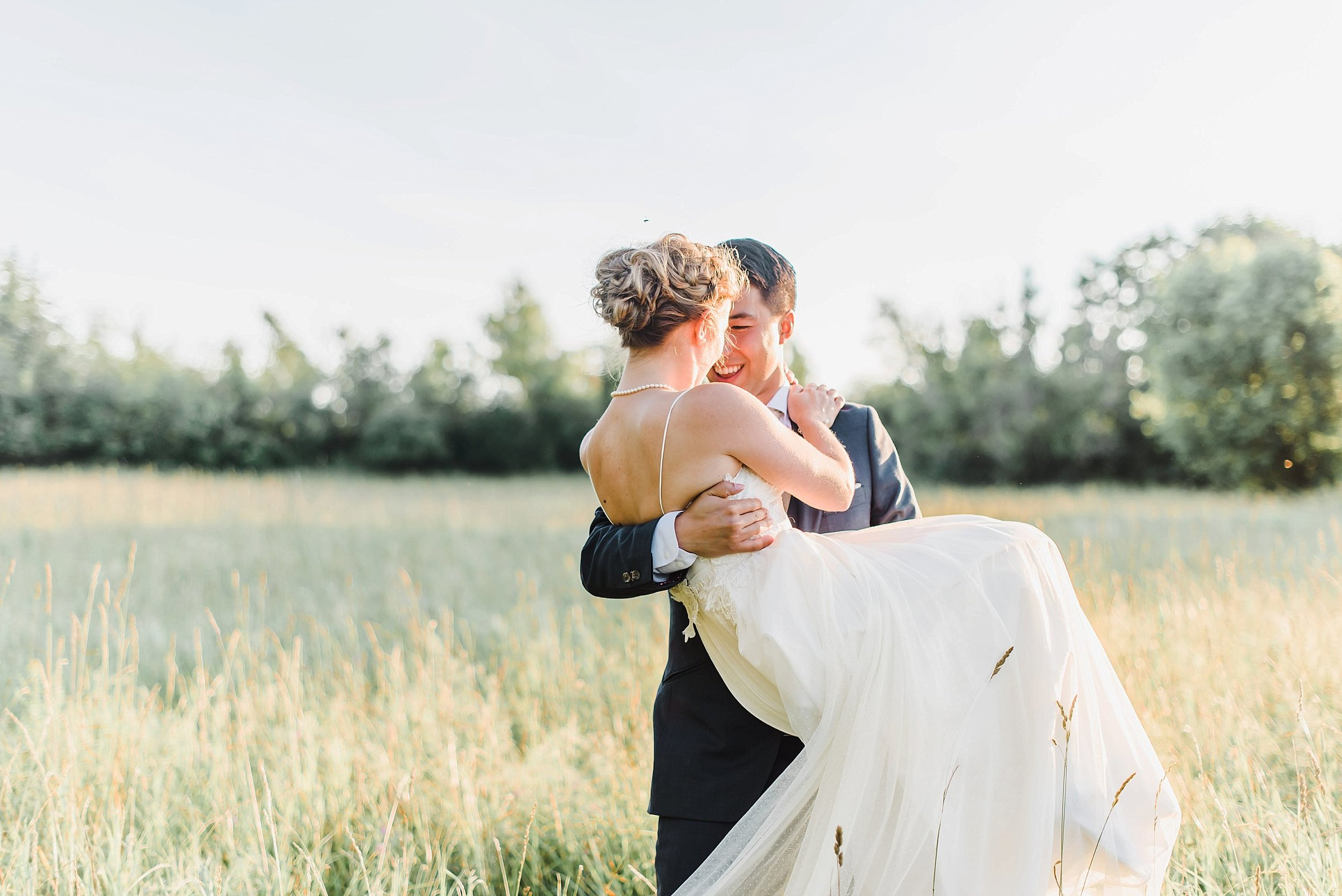 light airy indie fine art ottawa wedding photographer | Ali and Batoul Photography_0903.jpg
