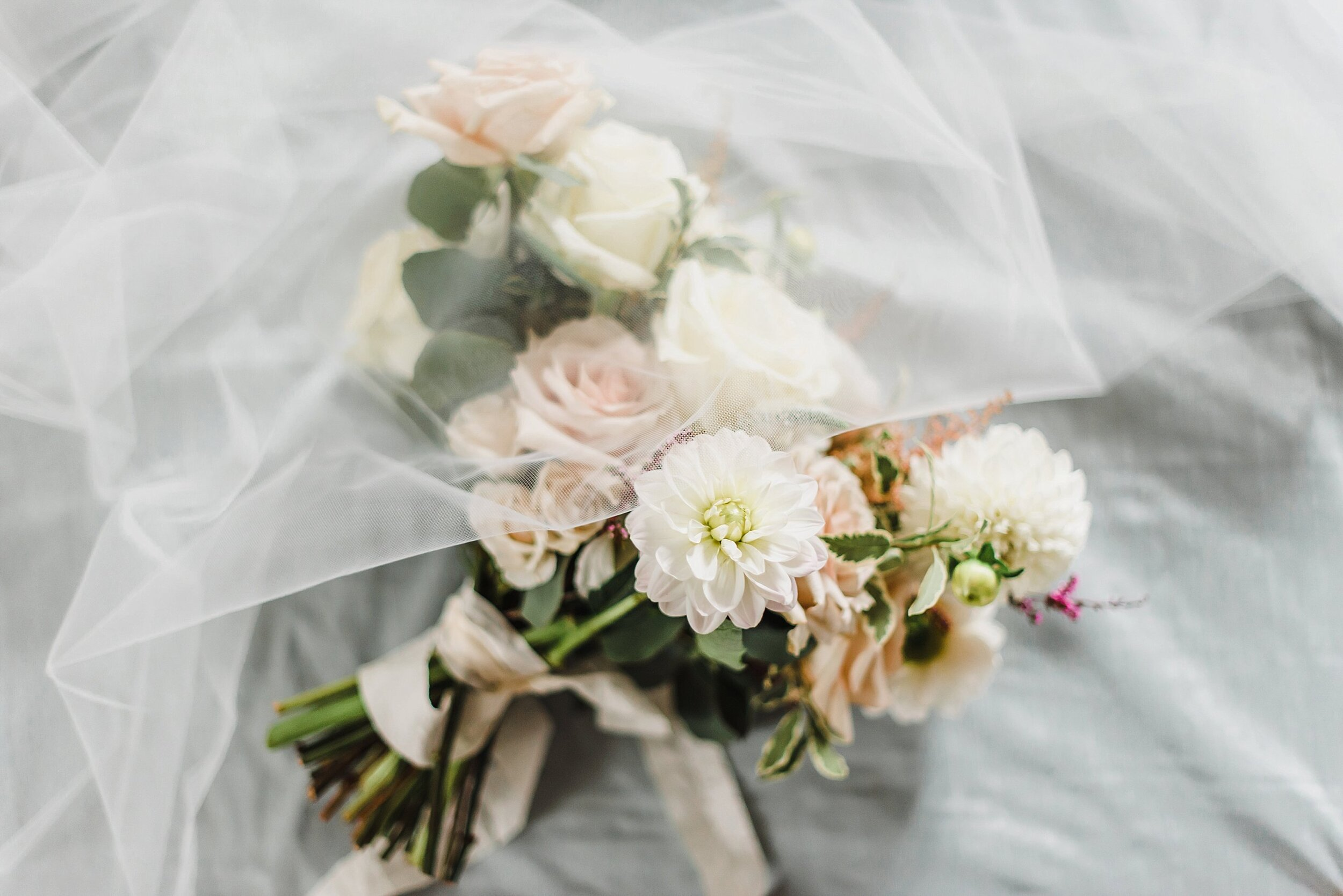 light airy fine art ottawa wedding photographer | Ali and Batoul Photography | Fairmont Le Chateau Montebello4.jpg