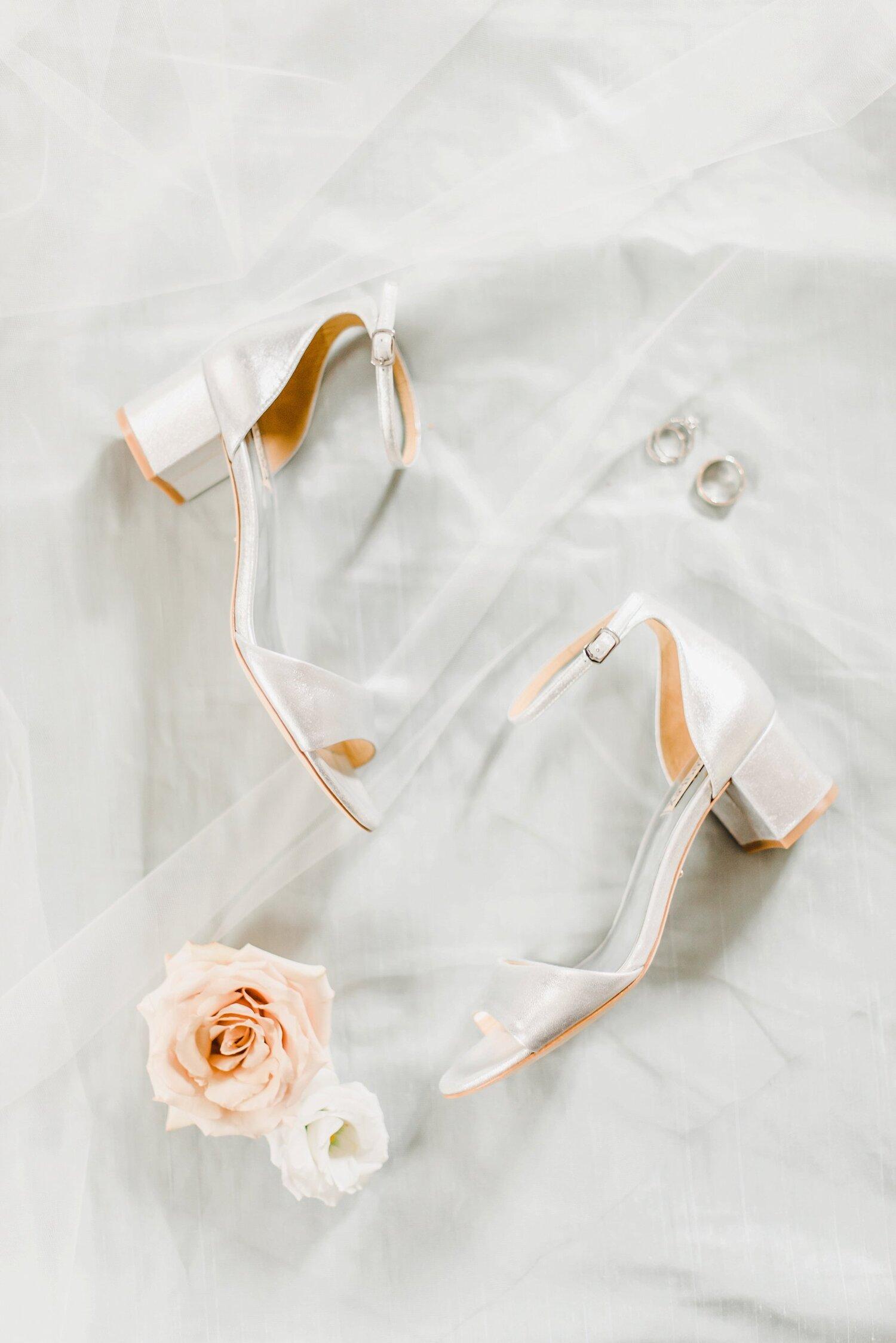 light airy fine art ottawa wedding photographer | Ali and Batoul Photography | Fairmont Le Chateau Montebello7.jpg