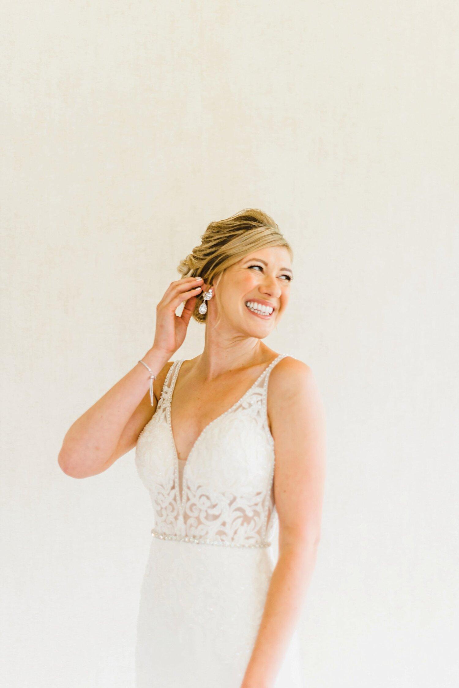light airy fine art ottawa wedding photographer | Ali and Batoul Photography | Fairmont Le Chateau Montebello12.jpg