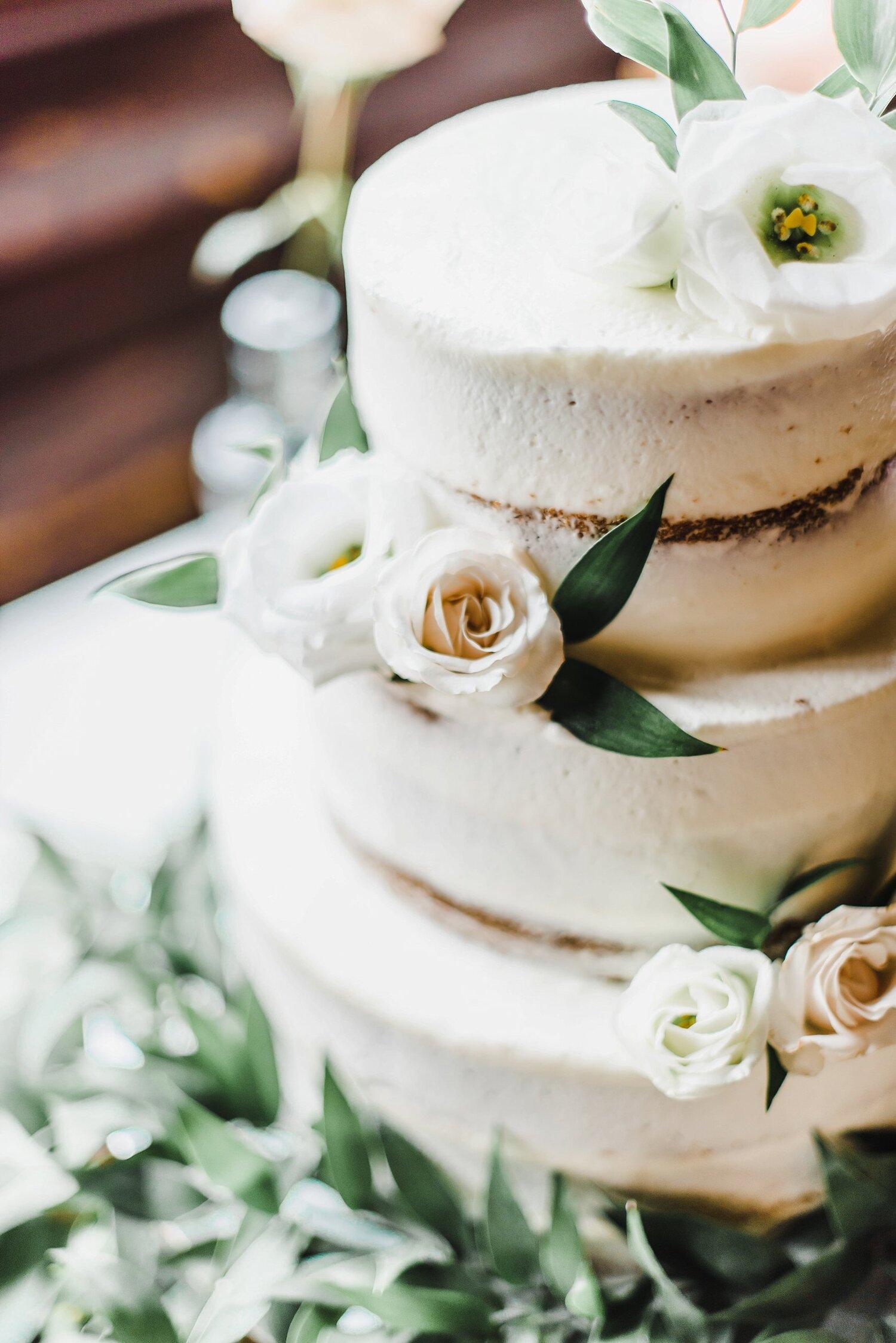 light airy fine art ottawa wedding photographer | Ali and Batoul Photography | Fairmont Le Chateau Montebello82.jpg