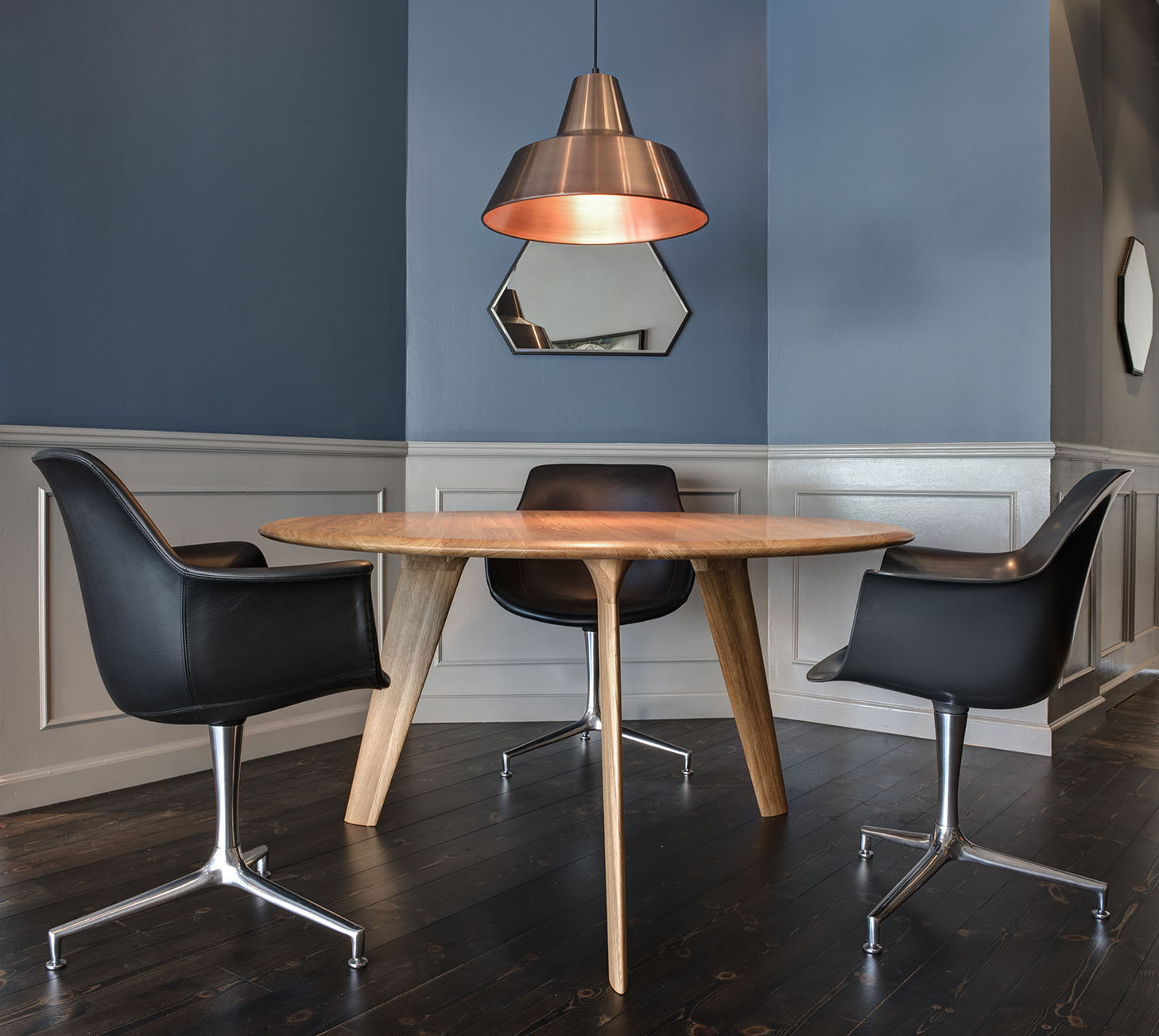 Wing Dining Table - 3 Leg