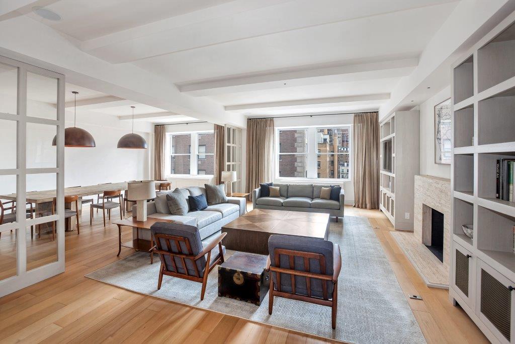 1111Park Avenue 8D Living Room2.jpg