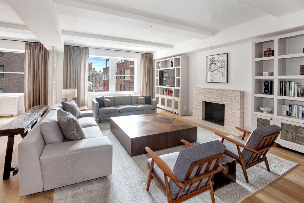 1111Park Avenue 8D Living Room1.jpg