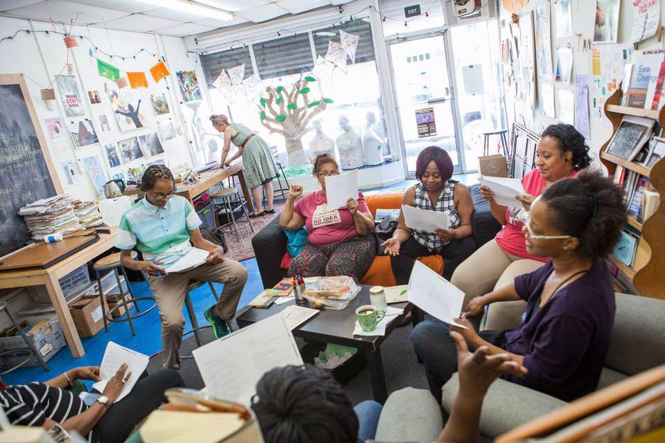 Yolanda Wisher teaches a poetry workshop at the People's Paper Co-op in Philadelphia, PA. Photo by Mark Strandquist, 2017.