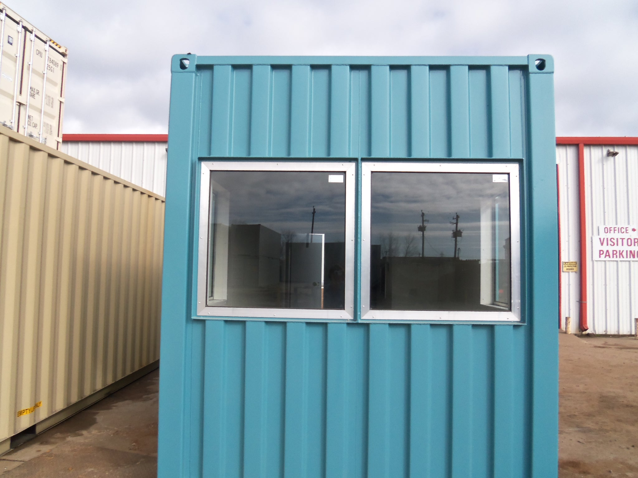 Container_blue_color_windows.jpg