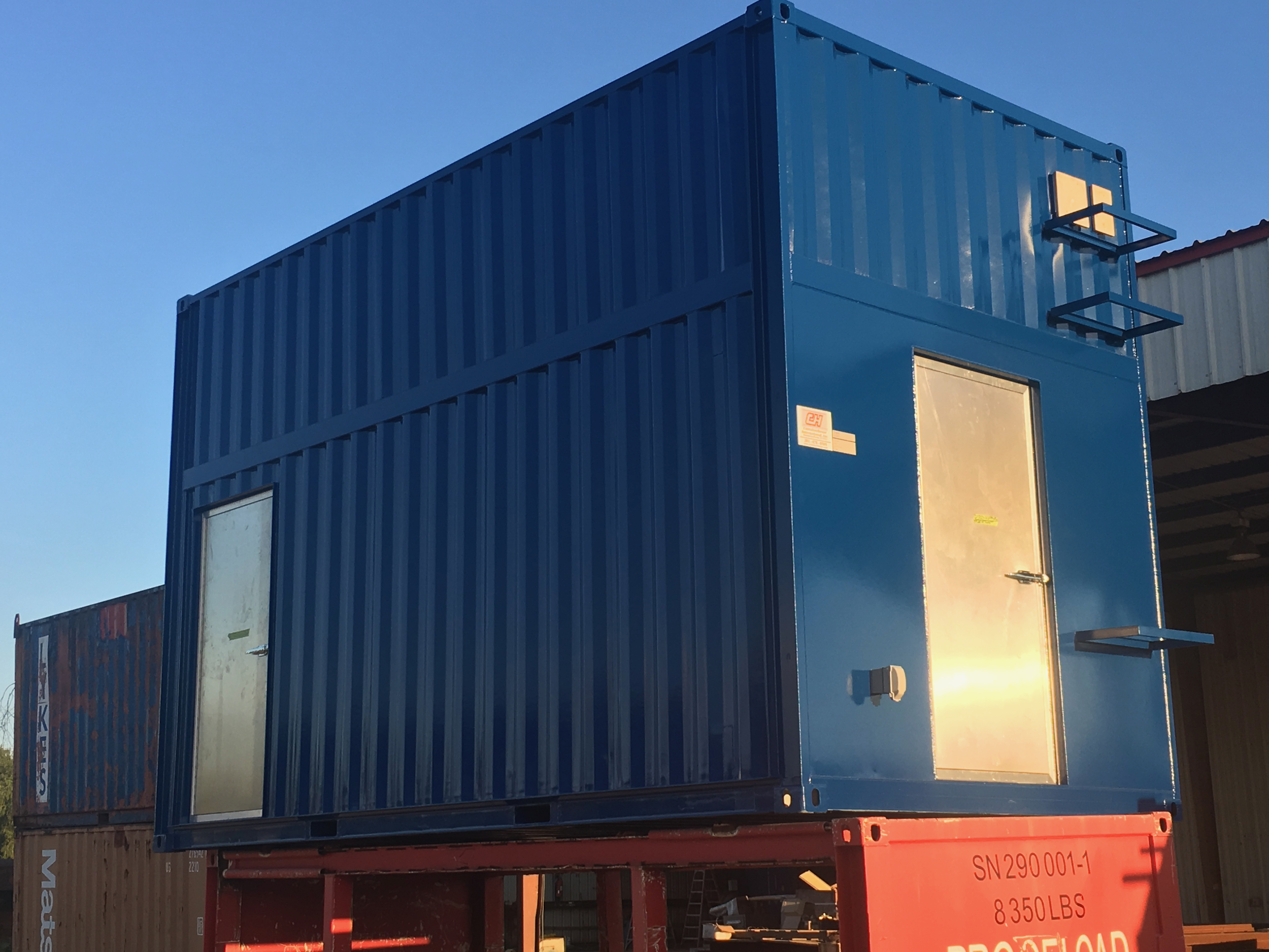 container house 13ft 002.png