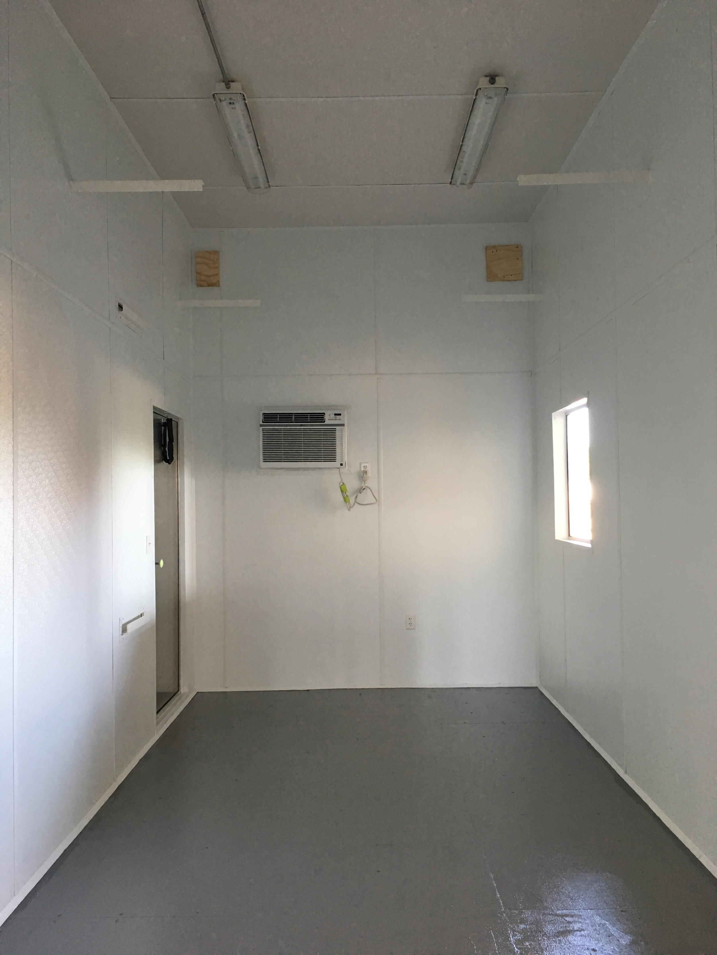 container house 13ft 003.png