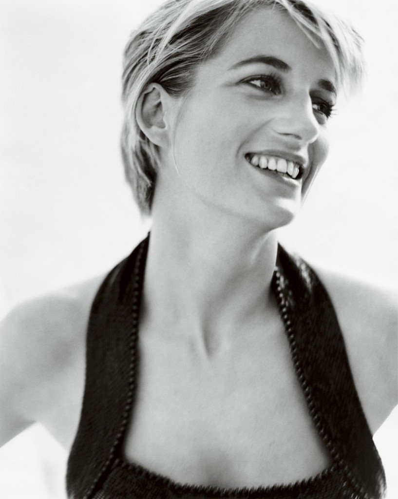 diana-princess-of-wales-by-mario-testino-at-kensington-palace-6-817x1024.jpg